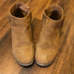 Womens Size 5 Cat & Jack Ankle-Boots